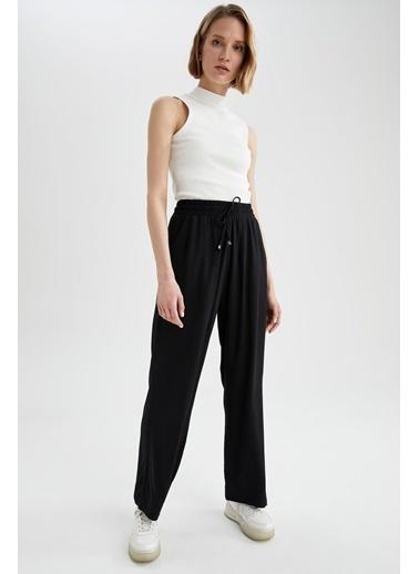 DeFacto Relax Fit Bağcıklı Geniş Paça Pantolon Siyah